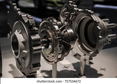 Epicyclic gearing box, mechanical planetary gear train