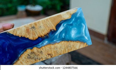 epoxy resin Stabilizing burl wood blue sky  background, epoxy resin Stabilizing burl wood background, Abstract art resin picture photo, print design and your advertisement