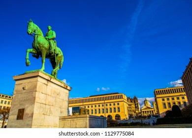 Equestrian monument of King Albert I at Kunstberg, or Mont des Arts (hill or mount of the arts), facing to the statue of his wife Elisabeth of Bavaria, Brussels, Belgium