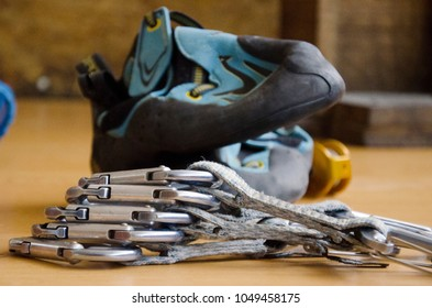 equipment for climbing, cat's feet, carabiners, descenders, dynamic ropes