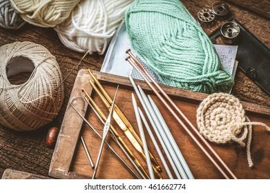 equipment for knitting and crochet (crochet hook, yarn, wool, needle)