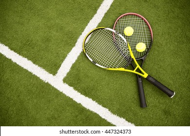 Equipment for playing tennis on grass