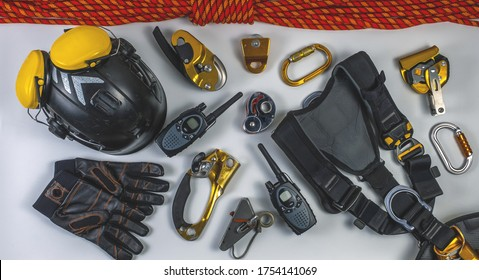 Equipment and equipment for rope access
