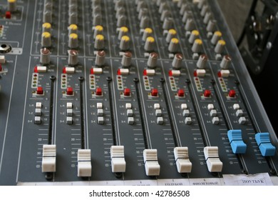 Equipment of sound technician or sound man, equalizer