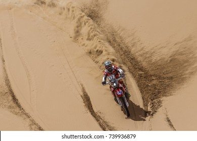 Erfoud, Morocco. October 9, 2017. Oilibya Cross-Country Rally of Morocco, preparation to Dakar 2018. Kevin Benavides, Honda HRC, in the dunes.