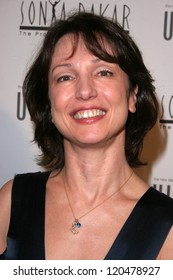 Erica Courtney at the Sonya Dakar Skin Clinic Opening. Sonya Dakar SKin Clinic, Beverly Hills, CA. 10-24-06
