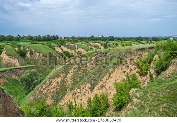 erosion-agricultural-land-by-spring-600w