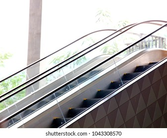 the escalator out side the building