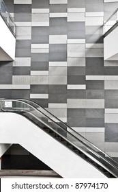escalator side view