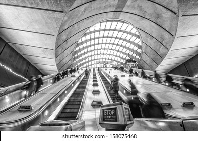 The escalator in the underground station.
