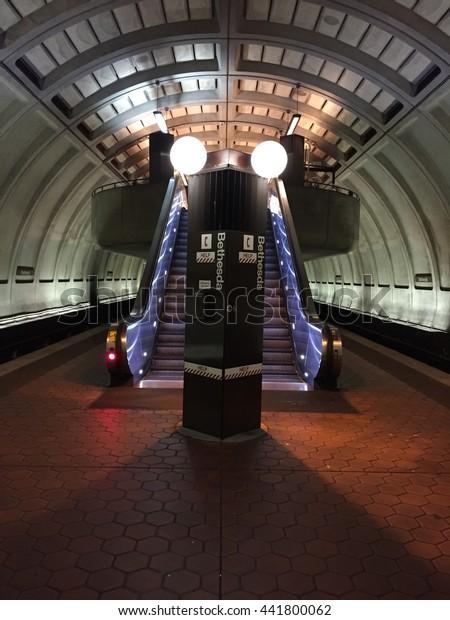Escalator Washington Dc Metro Station Bethesda Stock Photo