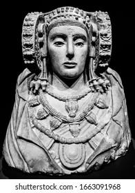 Escultura antigua de la Dama de Elche