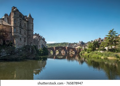 Espalion , village of Aveyron , with river Lot , French
