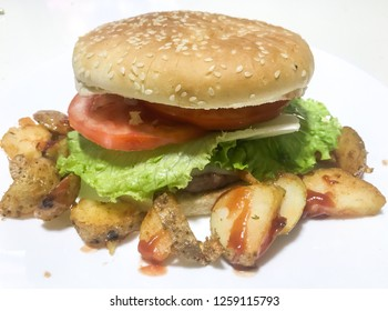 Especial burguer with wrinkled potatoes
