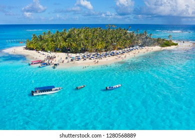 """Espectacular Aerial view of Johnny Cay In San Andres Island, (Colombia) Amazing clear water, """"El mar de siete colores"""""""