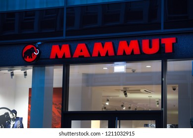 sports shoes 51365 5a537 Imágenes, fotos de stock y vectores sobre Mammut | Shutterstock