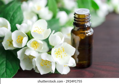 Essential jasmine oil