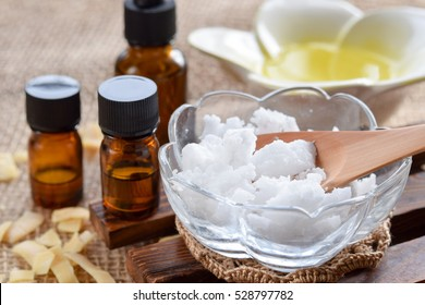 essential oils with coconuts oil