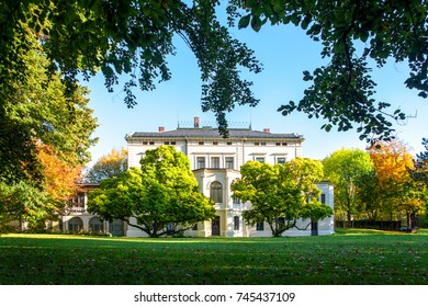 Esslingen Germany scenic view of villa merkel park and art gallery