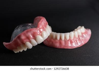 Esthetic Denture Prosthesis