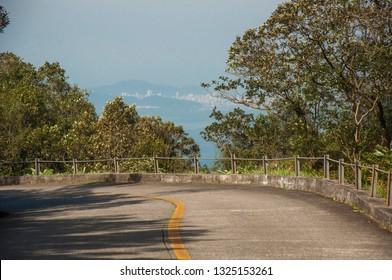 Estrada Caminho do Mar (SP-148), que liga o litoral do estado de São Paulo (Santos, via Cubatão) ao planalto paulista (São Paulo, via Região do Grande ABC). Atualmente  Parque Estadual da Serra do Mar