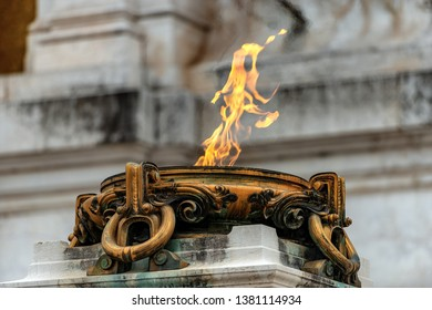 Eternal flame for the Italian Unknown Soldier memorial at the Vittoriano or Altare della Patria (Altar of the Fatherland). Rome, UNESCO world heritage site, Latium, Italy, Europe
