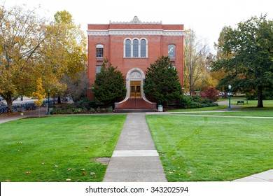 EUGENE, OR - NOVEMBER 12, 2015: University of Oregon school campus during the Winter with very few students around.