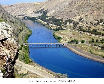 Euphrates River Images, Stock Photos & Vectors | Shutterstock