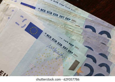 euro banknote package