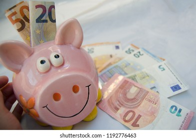 euro currency, background piggy bank walet