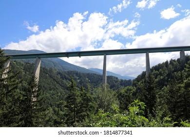 The Europabrcke belongs to the Brenner freeway in Austria
