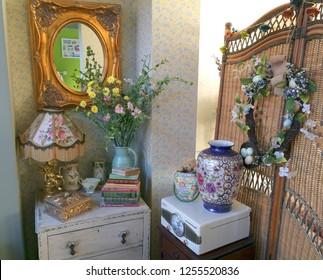 Europe UK Bedfordshire Bedford December 2018. Vintage style home decoration in sitting room.