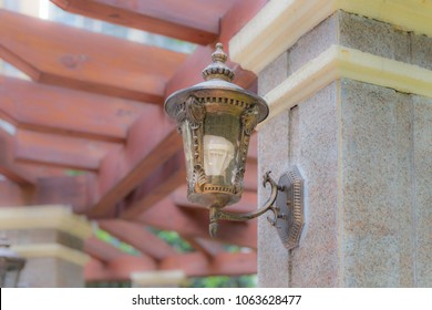 european style of wall lamp