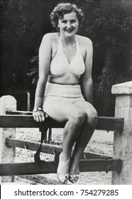 Eva Braun in a two piece bathing suit in the 1930s. Hitler arranged for Braun to work as a photographer for Heinrich Hoffmann, his personal photographer from 1933. The position enabled her to travel w