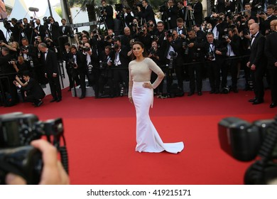 Eva Jacqueline Longoria attends the 'Cafe Society' premiere and the Opening Night Gala during the 69th Cannes Film Festival at the Palais des Festivals on May 11, 2016 in Cannes, France.