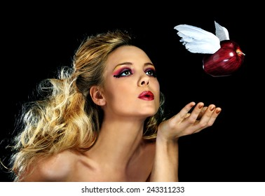 Eve and the Apple... Temptation on Wings