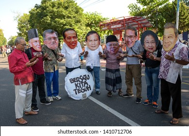 Even though our creative community, Solo, is strong, Jokowi, Prabowo, Ma'aruf Amin, Sandiaga Uno, SBY, Megawati, Habibie, Yusuf Kala. May 26, 2019, Solo, Central Java Indonesia