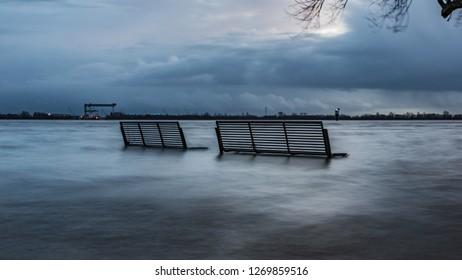 evening in Hamburg, Elbe river, water
