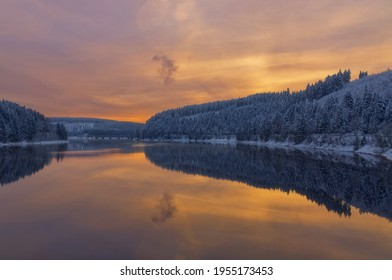 Abend im Okertalsperre-Stausee, Harz, Deutschland