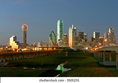 evening photo of dallas downtown
