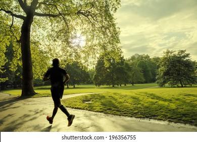 evening runner in London green Park