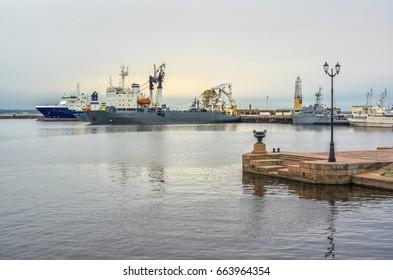 Evening at sea. Port of Kronstadt. St.-Petersburg, Russia