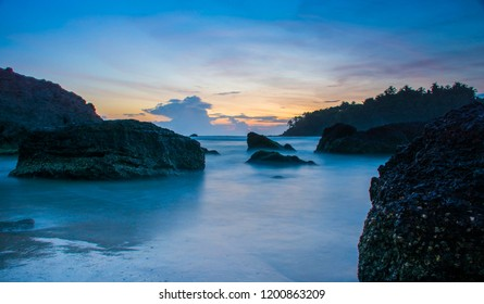 Evening Shot from Darmadam Beach Kannur Kerala, Beautiful Sunset View, Colorful Beach Sky with rock, Place to visit in kerala
