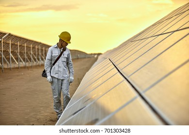 In the evening of the solar photovoltaic inspection engineer