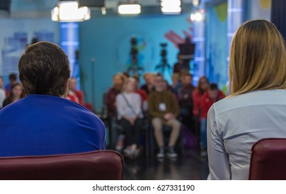 Evening talk show on the TV channel