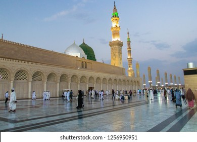 An evening view of the beautiful Masjid Nabawi of Medina - Saudi Arabia: 2 September 2018