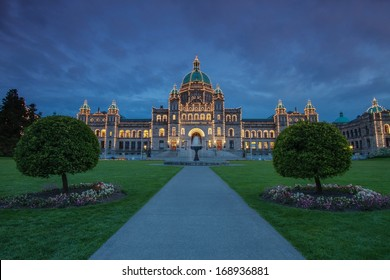 Evening view of Government house in Victoria BC using long exposure.