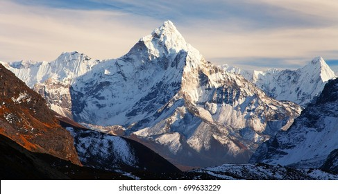 Evening view of mount Ama Dablam on the way to Mount Everest Base Camp, Khumbu valley, Solukhumbu, Sagarmatha national park - Nepalese himalayas mountains