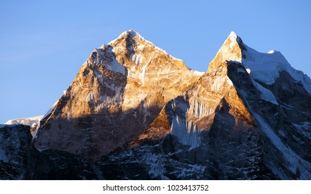 evening view of mount Kangtega and mount Thamserku, trek to Everest base camp, Khumbu valley, Solukhumbu, Sagarmatha national park, Nepal