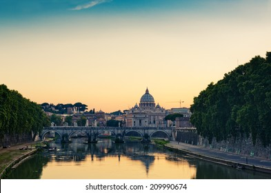 evening view at St. Peter's cathedral in Rome, Italy